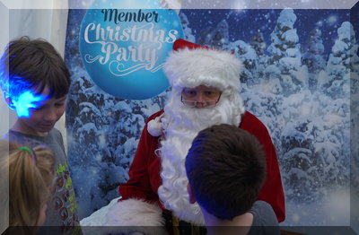 Santa at Zoo Member night 2016